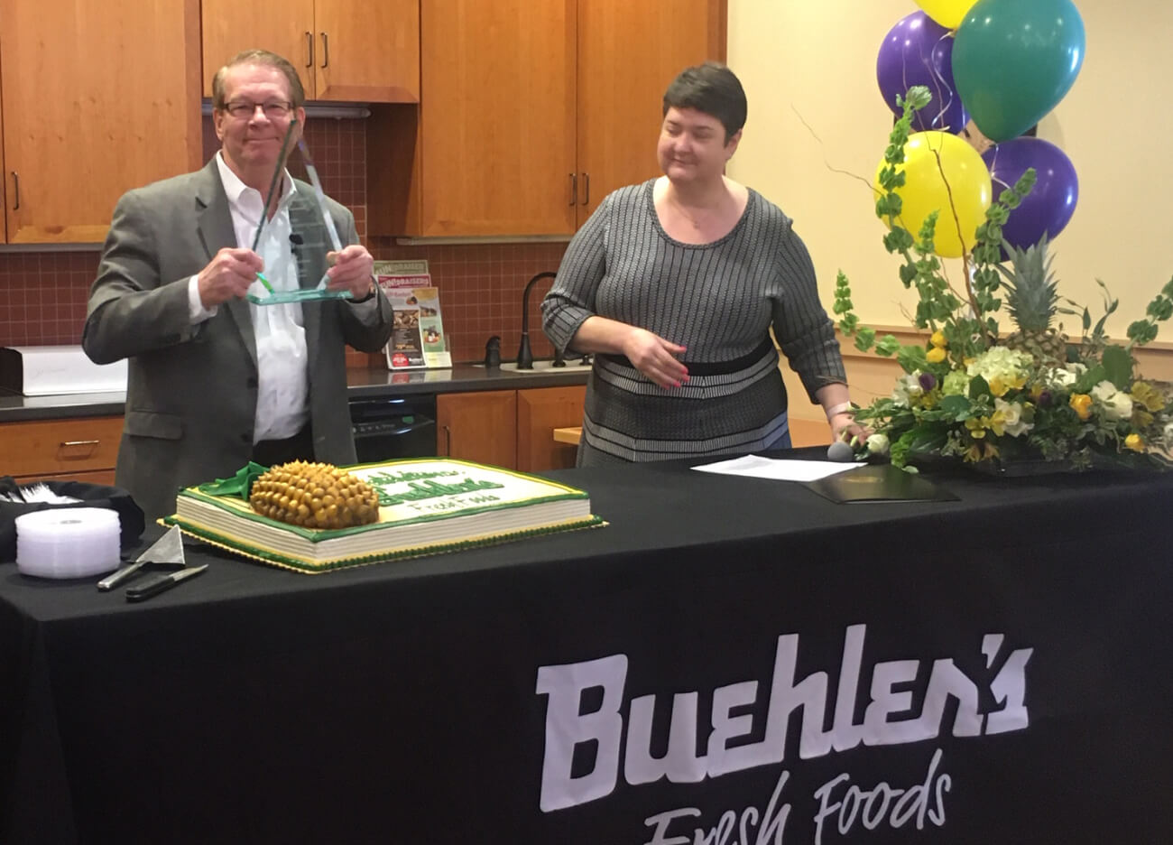Dan Shanahan receives Pinacle Award for Buehler's